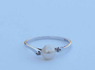 Ladies Cultured Pearl Solitaire Ring With 2 Genuine Diamonds - 14k White Gold