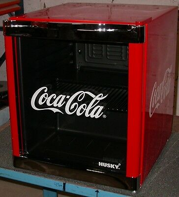 husky cool cube mini k hlschrank coca cola design 48l a eur 96 00 picclick de. Black Bedroom Furniture Sets. Home Design Ideas