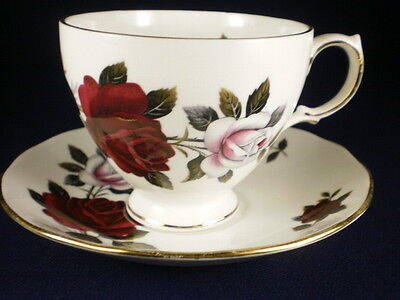 Colclough Red & White Roses Duo