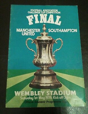 Southampton v Manchester United 1976 Challenge Cup Final Football Programme