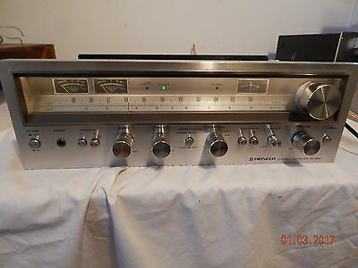 PIONEER SX-680 stereo receiver Silver Face Nice Condition Works Nicely
