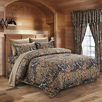 The Woods King Natural Green Camo 7 Piece Bedding Set Comforter and Sheets