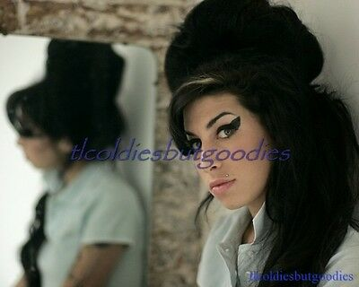 Amy Winehouse Mirror Double White Top Singer Star Great Rare 8X10 Photo #0020