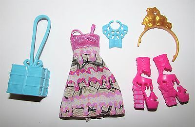 Outfit/Clothes/Shoes from Ever After High/Monster High Ginger Breadhouse Doll