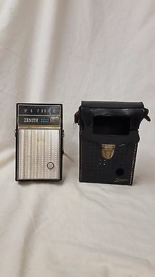 Vintage Working Zenith Deluxe Royal 500 Transister Radio With Leather Case