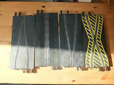 Scalextric Track Chicane and Track Narrowing pieces, not boxed