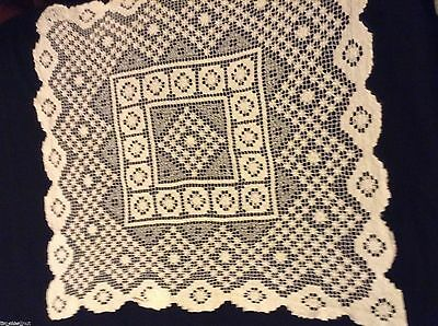 Vtg NETTED LACE TABLE TOPPER DOILY 28x28in Lovely Condition off-white HAND MADE