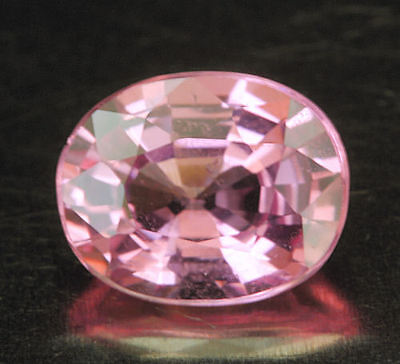 SPINELL         klasse Farbe      0,83 ct