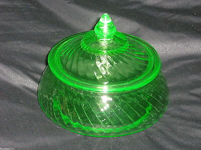 Exquisite GREEN DEPRESSION GLASS SPIRAL PRESERVE w/ LID by HOCKING 1928-30