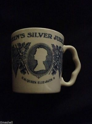 Blue & White QUEEN ELIZABETH 2nd SILVER JUBILEE Mason's Cup Mug MADE in ENGLAND