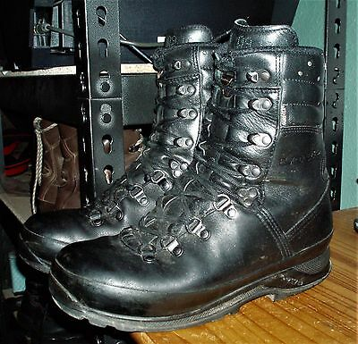 British Army LOWA Goretex Cold Weather Combat Boots Black Size 7 Vibram CADETS