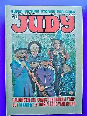 Judy issue No.929, October 29th 1977. Hallowe'en edition.