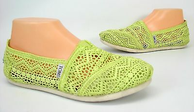 f0f37ab4423 Toms Classic Slip On Lace Crochet Shoes Women s Size 7 Green Loafer  Moccasins