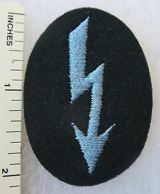 ORIGINAL WW2 Vintage GERMAN ARMY TRANSPORTATION SIGNAL BLITZ PATCH on DARK GREEN