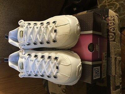 NEW Skechers Women's Premiums Sneakers White and Navy 8.5 Wide Fit