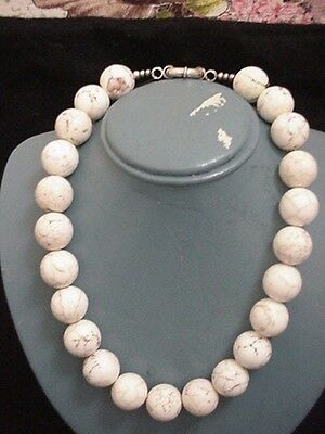 Estate HUGE BEADS beautiful WHITE HOWLITE TURQUOISE NECKLACE , NR