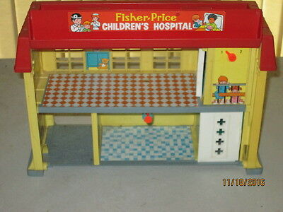 Fisher Price Little People Play Family Children's Hospital Excellent Condition