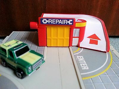 Micro Machines By Galoob Circa 1989 Garage Repair Centre Jeep 4X4 Toy Play Set