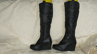 Lovely Ladies Womans black wedge mid calf boots size 37 (4)