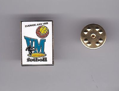 """Sweden """" World Cup 1958 """"  - lapel badge butterfly fitting"""