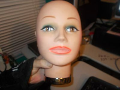 """female mannequin  store display  10"""" tall 21"""" around head 1"""" hole"""