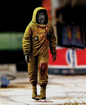 Royal Models 1/35 Zombie Series - Zombie in NBC Coverall (1 Figure)