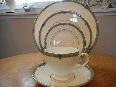 Wedgwood Jade bone china FIVE piece place setting circa 1991 - EXCELLENT!!