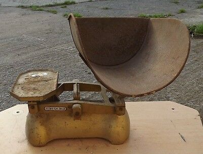 Vintage Kitchen/feed/grocery balance weighing scales Cast Iron