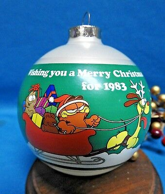 United Feature Syndicate Ornament 1983 Garfield & Odie in Sleigh Glass Ball