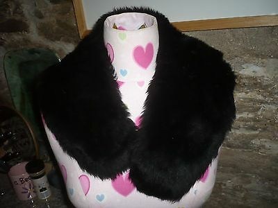 1930's lined ladies faux fur black collar lined in satin clasp to fasten stylish