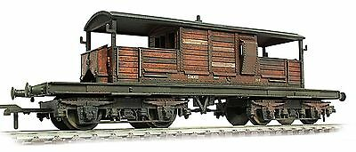 Bachmann 20t BR Queen Mary Brake van wagon *PRO WEATHERED LOOK*