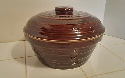 Large Vintage Mar Crest Oven Proof Stoneware Bean Pot w/ Lid Daisy Dot Pattern