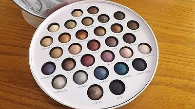 Laura Geller 31 DAYS OF HOLIDAY Palette - New and Hard to Find  - GREAT GIFT!