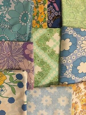 Remnants 1960's 1970's Vintage Retro Floral Fabric Material - Craft, Patchwork