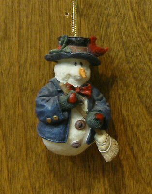 Boyds Resin Ornament #2565 Willie with Broom, NEW from our Retail Store, MIB