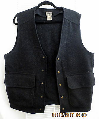 LL Bean Thick Wool Hunting Vest Charcoal grey Men's M Large flap pockets