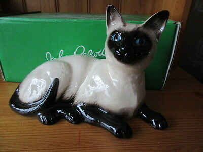 Lovely Beswick Large Sitting Siamese Cat 1559 Boxed And Perfect