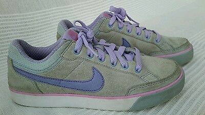Nike girls trainers size 3