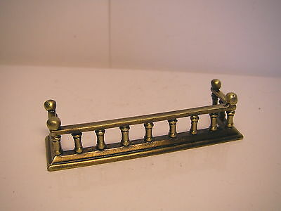 Fender for fireplace - DOLLS HOUSE MINIATURES (F552)