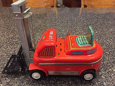 VINTAGE FORKLIFT TOWMOTOR TIN TOY PRESSED STEEL Battery Powered  (K40)