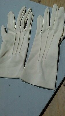 ecru vintage ladies gloves size 7
