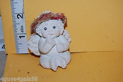 Collectible DREAMSICLES 1997 Baby ANGEL CHERUB Finger in Mouth SITTING DOWN
