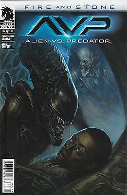 Avp Aliens V Predator #2 Fire And Stone Near Mint First Print Bagged & Boarded