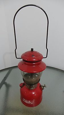OLD  RED Coleman Lantern 200 Dated 11-69 with Glass Globe CANADA