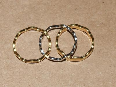 3 Vintage AVON Silver & Gold Tone Stackable Wave Band Ring Set size 6