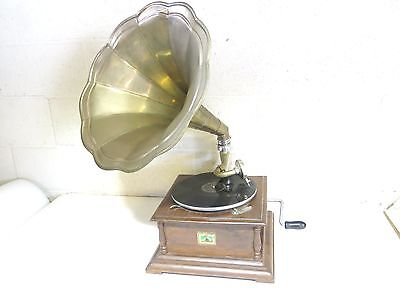 Vintage Rca Victor Hand Crank Gramophone Phonograph With Brass Horn