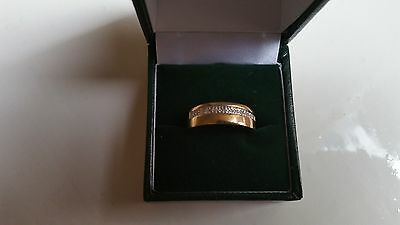 9ct gold and diamond mens band ring. size R. All offers considered