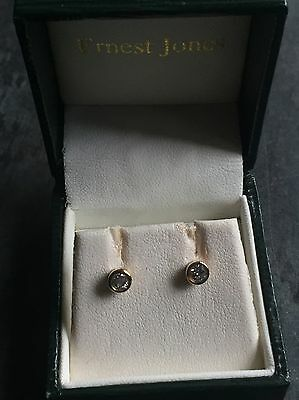 9ct yellow gold stunning 0.25ct diamond stud earrings with butterfly backs