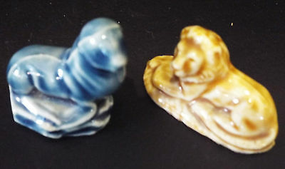 2 Miniature Wade Figurines - Lion And Seal