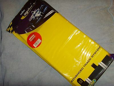 Scalextric - C8238 - x4 Radius 4 Curves Outer Borders/ Barriers - New
